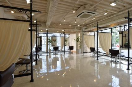 新栄/LOAOL AOI:施術スペースは個室風になっています