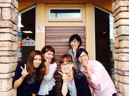 【岡崎駅徒歩5分】お客様、スタッフからも「居心地がイイ!」と言われるあったかい雰囲気の中で、 心ゆくまで美容師楽しみませんか?女性美容師が仕事も家庭も大事にできるサロンです。